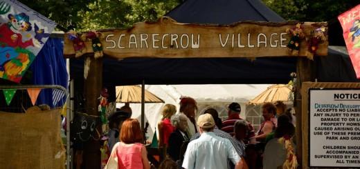 scarecrow-village-enterance